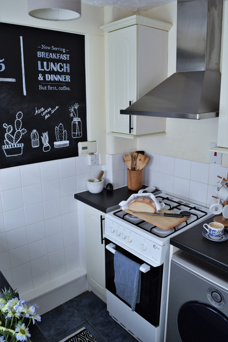 Tiny Kitchen Renter-Friendly Makeover
